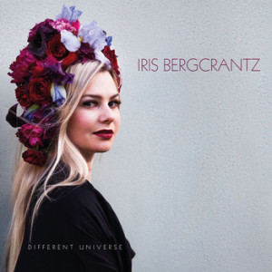 Iris Bergcrantz - Different Universe, omslag